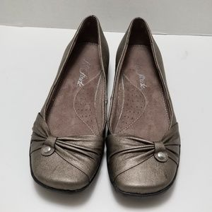 Life Stride Faux Leather Wide Flats Size 7W